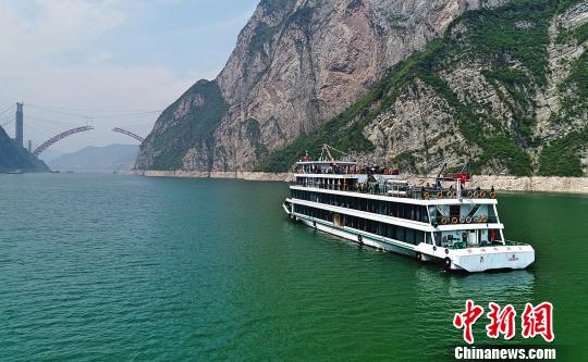 World Bank loans 150 mln dollars to improve China's inland waterway transport