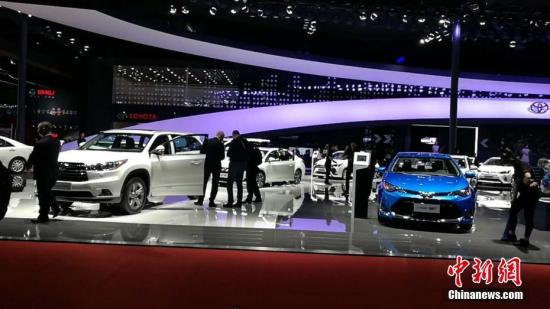 Cars are exhibited at Shanghai International Auto Show. (File photo/China News Service)