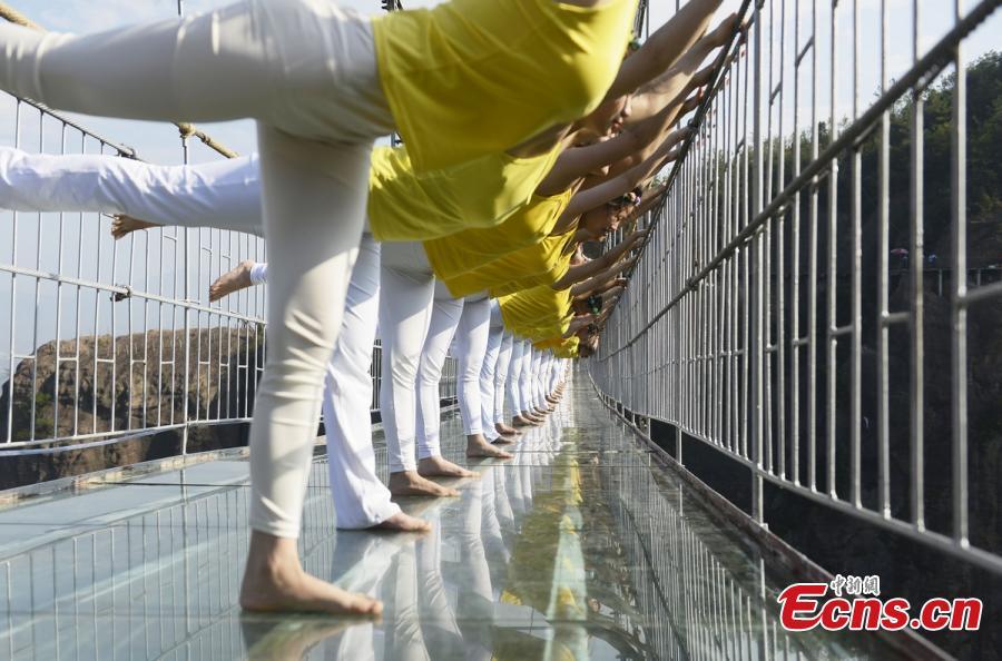 Breathtaking Yoga Show On Glass Bridge 2 8