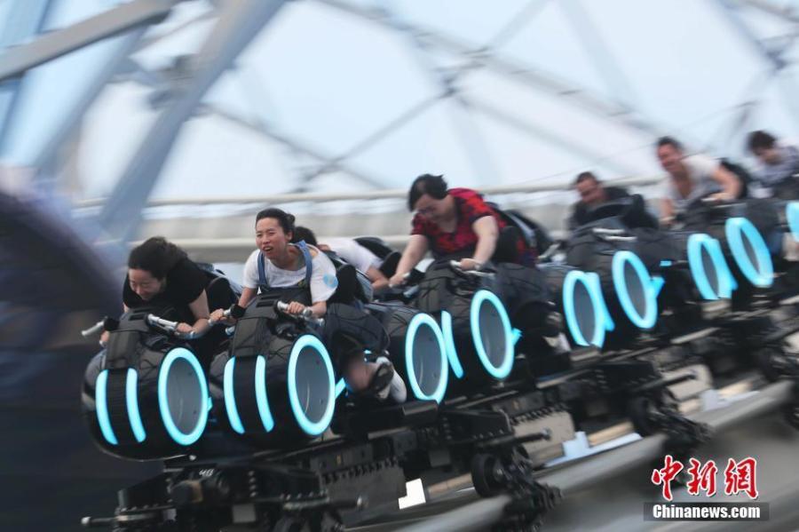 visitors flock to enjoy shanghai disney u0026 39 s tron ride 3  3