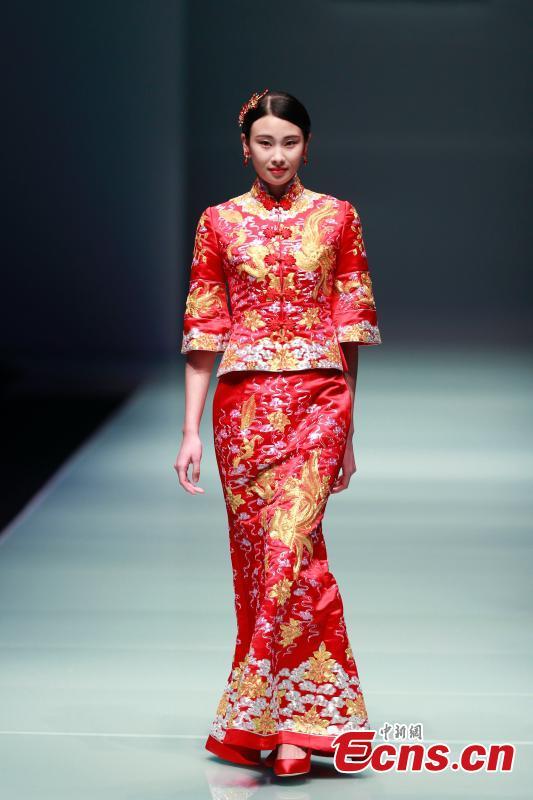 Wedding dress show at China Fashion Week(6/7)