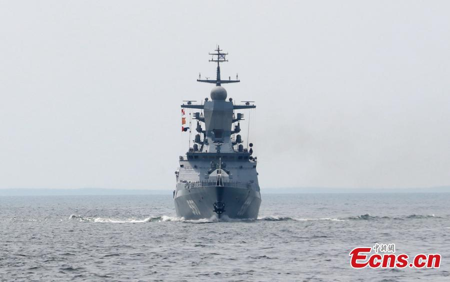 A Russian warship participates in a drill with the Chinese Navy in the Baltic Sea. The aim of the Joint Sea 2017 drills, which kicked off on Saturday and will last until July 28, is to carry out joint rescue missions and ensure maritime economic activities. (Photo: China News Service/Wang Xiujun)