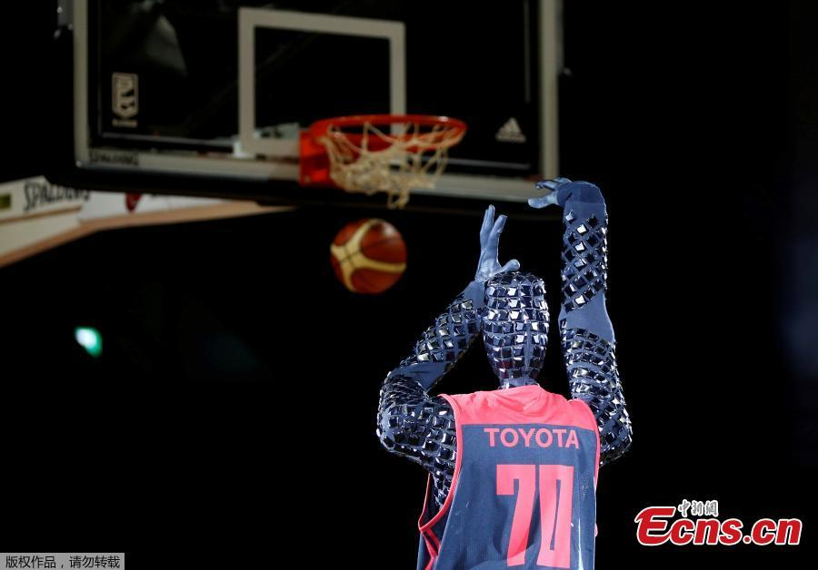 Toyota Engineers Unveil Basketball Playing Robot 1 4