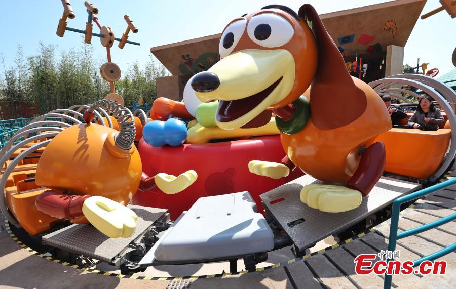 Shanghai Disney Resort welcomes visitors to Disney?Pixar Toy Story Land, the first major expansion at the resort since its opening, April 26, 2018. Based on the Toy Story films, Shanghai Disneyland\'s seventh land is a high-spirited, colorful world where guests will feel as if they\'ve been shrunk down to the size of a toy for laughter and fun with family and friends. (Photo: China News Service/Zhang Hengwei)