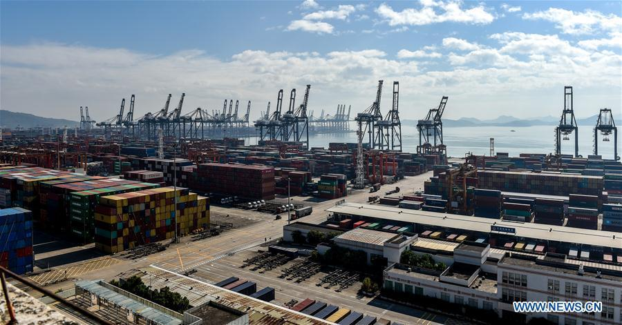 Aerial photo taken on Nov. 29, 2017 shows a view of the Yantian Port in Shenzhen, south China\'s Guangdong Province. This year marks the 40th anniversary of China\'s starting to implement reform and opening up policy. (Xinhua/Mao Siqian)