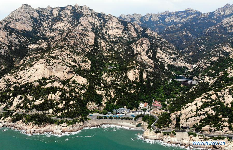 Aerial photo taken on May 21, 2018 shows a scene of the Laoshan Mountain in Qingdao, east China\'s Shandong Province. (Xinhua/Li Ziheng)