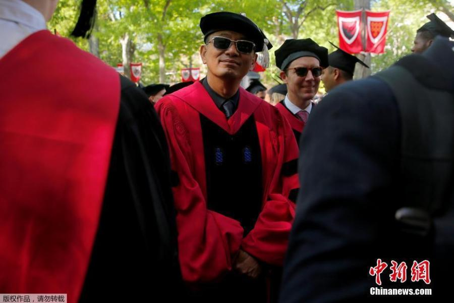Filmmaker and honorary degree recipient Wong Kar Wai arrives for the 367th Commencement Exercises at Harvard University in Cambridge, Massachusetts, U.S., May 24, 2018. (Photo/Agencies)