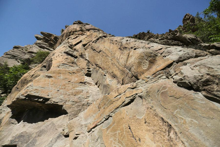Rock art on the Helan Mountain in Ningxia Hui autonomous region, May 21, 2018.  (Photo provided to chinadaily.com.cn)