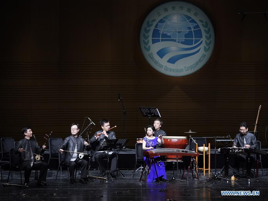 Musicians from China Conservatory of Music perform at the Shanghai Cooperation Organization (SCO) Art Festival in Beijing, capital of China, May 30, 2018. The festival opened here on Wednesday and will last until Friday. (Xinhua/Shen Bohan)