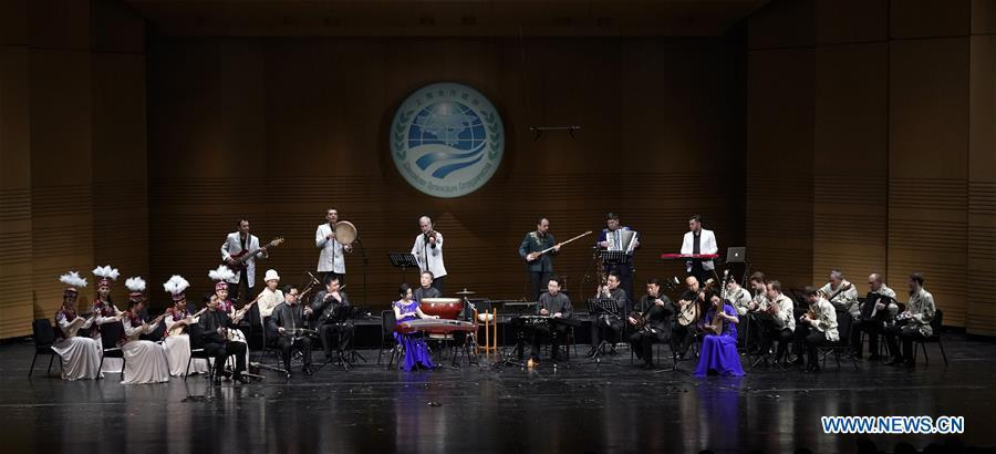 Musicians play Chinese folk music at the Shanghai Cooperation Organization (SCO) Art Festival in Beijing, capital of China, May 30, 2018. The festival opened here on Wednesday and will last until Friday. (Xinhua/Shen Bohan)