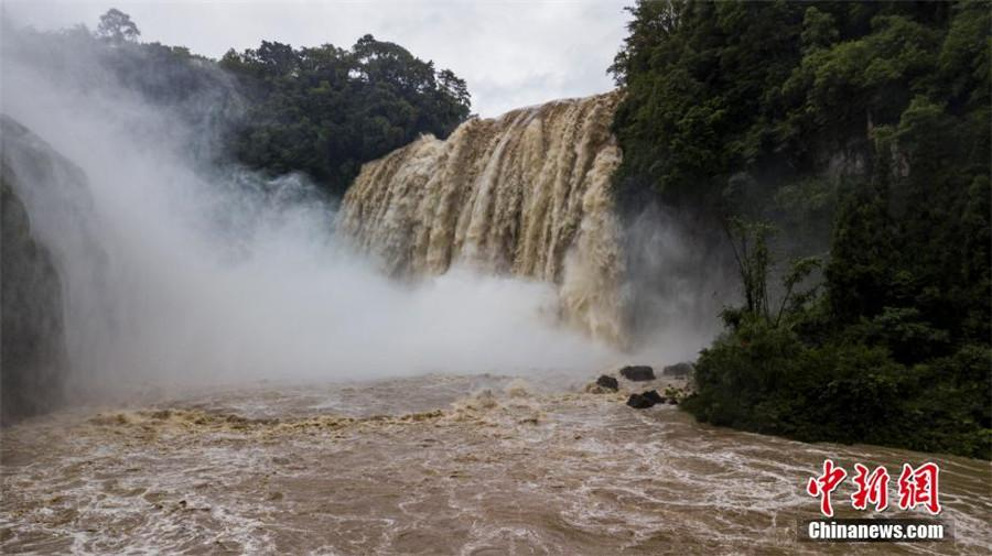 Huangguoshu Waterfall in Anshun city, Southwest China\'s Guizhou Province, June 4, 2018.  (Photo/China News Service)