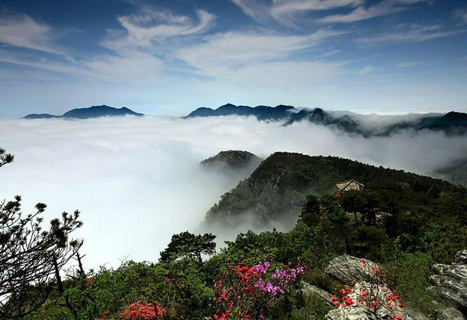 Situated in the northern part of Jiangxi Province in southeastern China, Lushan Mountain is one of the most renowned mountains and tourism resorts in the country.(Photo/Shanghai Daily)