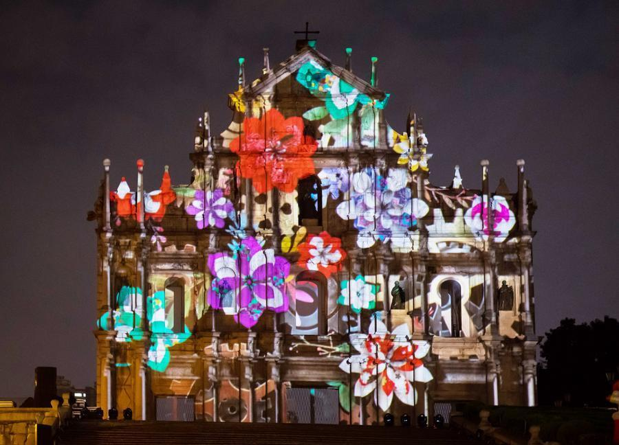 The Macao Light Festival 2017, an annual event put on by the special administrative region\'s government, was unveiled at the Ruins of St. Paul\'s on Sunday night, followed by a string of events and festivals to attract tourists. The 17th century Portuguese Church of St. Paul is among Macao landmarks listed as a UNESCO World Heritage Site. (Photo: Xinhua/Zhang Jinjia)