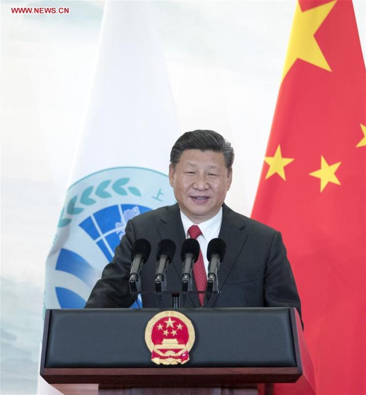 Chinese President Xi Jinping addresses a banquet held for guests attending the 18th Shanghai Cooperation Organization (SCO) summit in Qingdao, east China\'s Shandong Province, June 9, 2018. (Xinhua/Xie Huanchi)