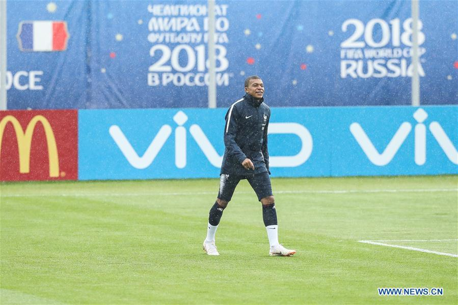 France\'s Kylian Mbappe attends a training session ahead of the Russia 2018 World Cup in Moscow, Russia, June 11, 2018. (Xinhua/Wu Zhuang)