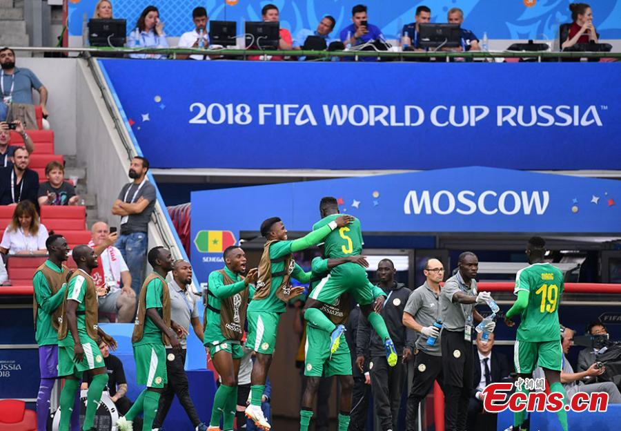 A match between Senegal and Poland in Group H of the World Cup in Spartak Stadium, Moscow, Russia, June 19, 2018. Senegal recorded the first African win at the 2018 World Cup when they beat Poland 2-1 on Tuesday thanks to a deflected Thiago Cionek own goal and a terrible error by Polish \'keeper Wojciech Szczesny. (Photo: China News Service/Mao Jianjun)
