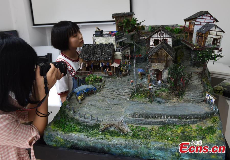 With the help of her classmates, Chinese university student Wu Yuying has finished a model of \