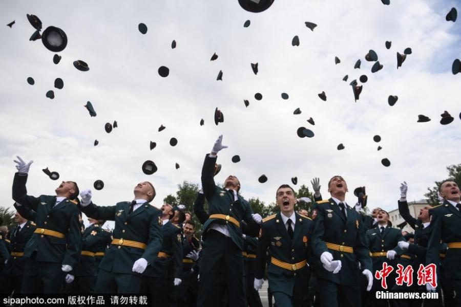 Young officers gather for a graduation ceremony at the Novosibirsk Military Institute of the Russian National Guard, June 23, 2018. (Photo/SipaPhoto)