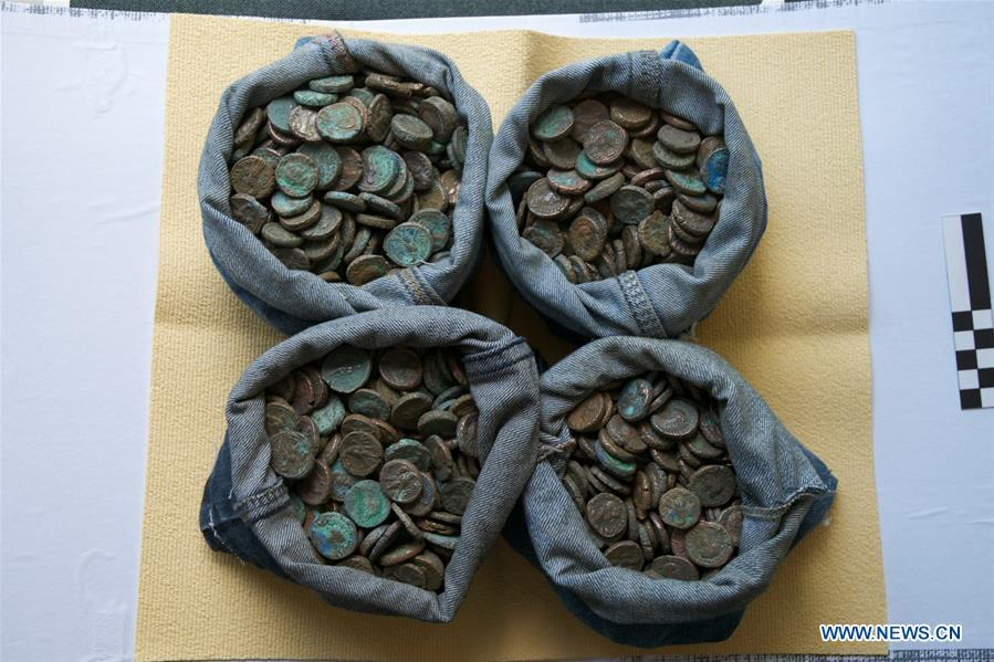 The undated photo provided by Egyptian Ministry of Antiquities shows retrieved smuggled artifacts in Cairo, Egypt. Egypt retrieved hundreds of smuggled artifacts and thousands of ancient coins busted by the Italian authorities in the city of Naples months ago, the Egyptian general prosecution said in a statement on June 30, 2018. (Xinhua)