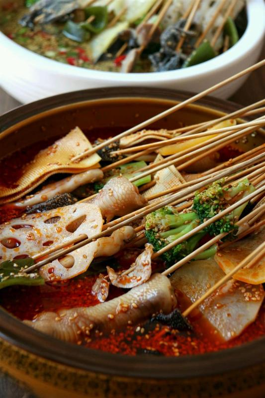 Boboji is cold skewers served in spicy broth. (Photo/Shine.cn)