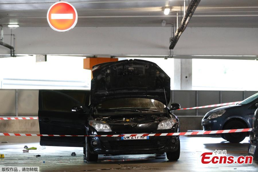 Photo taken on July 1, 2018 in Aulnay-sous-Bois, north of Paris shows a car abandoned by French robber Redoine Faid at O\'Parinor shopping mall parking after his escape onboard a helicopter from a prison in Reau. Redoine Faid was flown out of Réau prison with the help of three heavily-armed accomplices, security sources say. (Photo/Agencies)