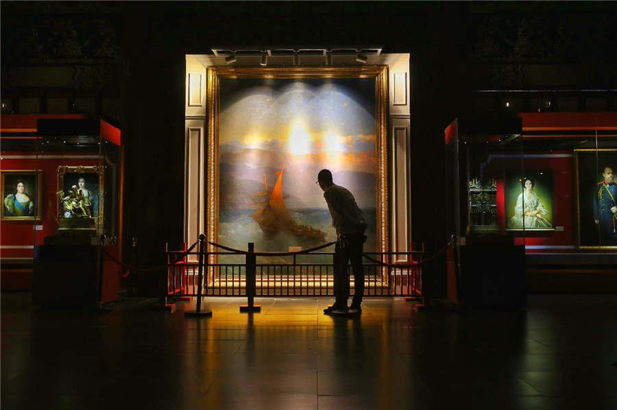 An exhibition titled A Date with the Summer Palace is held at the Beijing Summer Palace. (Photo/China Daily)