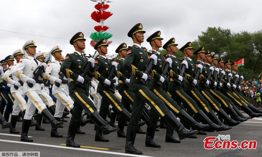 China\'s PLA honor guard soldiers take part in a military parade marking Independence Day in Minsk, Belarus, July 3, 2018. (Photo/Agencies)