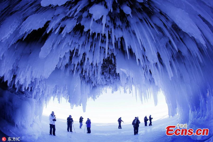 This photo taken Feb. 2, 2014, shows the wonders of the Ice Caves of the Apostle Islands National Lakeshore in in northern Wisconsin.(Photo/IC)