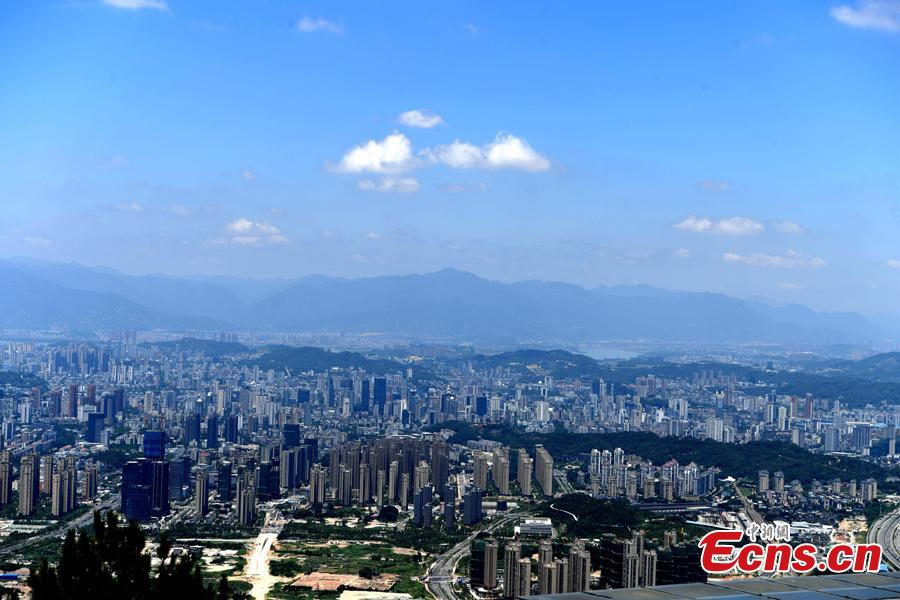 Photo taken on July 10, 2018 shows blue sky over Fuzhou, Fujian Province, before super typhoon Maria arrives.  Maria is expected to make landfall in the northeastern part of Taiwan and central Fujian Province on the morning of July 11.  (Photo: China News Service/Wang Dongming)