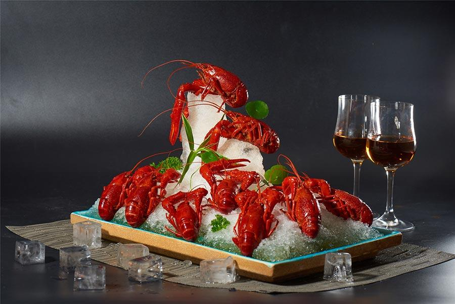 Brandied crayfish by Lubolang Restaurant. (Photo provided to chinadaily.com.cn)