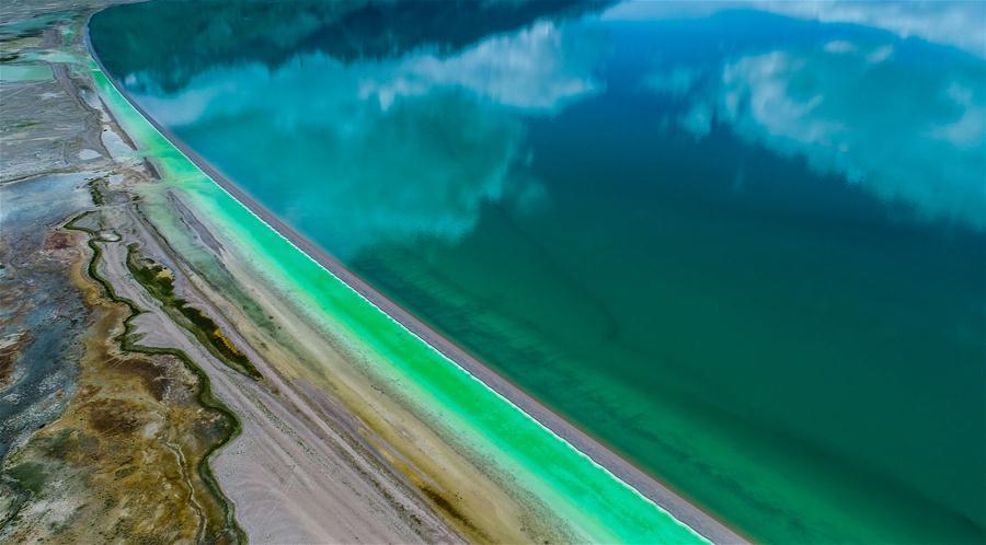 Photo taken on June 26, 2017 shows an aerial view of Tangra Yumco Lake in Nagqu, southwest China\'s Tibet Autonomous Region.(Xinhua/Purbu Zhaxi)