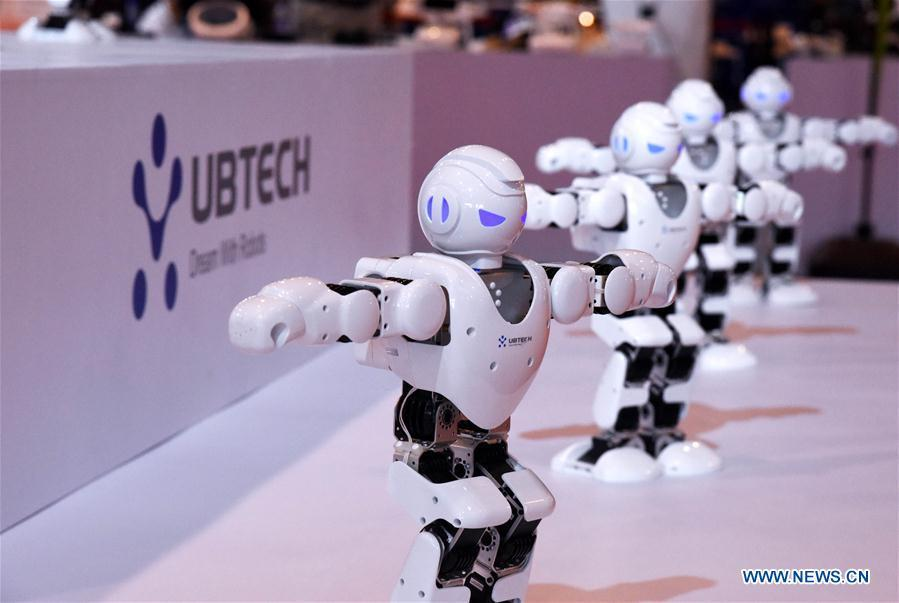 Photo taken on July 21, 2018 shows robots at the 2018 China International Consumer Electronics Show in Qingdao, east China\'s Shandong Province. The four-day electronics show kicked off on Friday. (Xinhua/Li Ziheng)