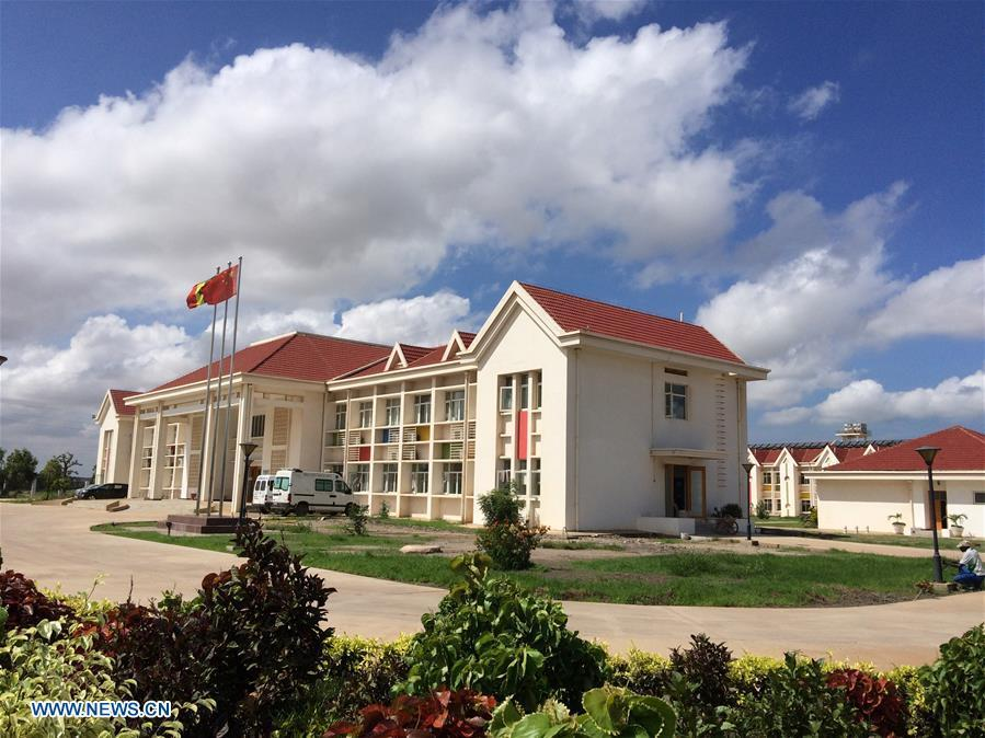Photo taken on Aug. 3, 2015 shows the Children Hospital of Diamniadio in Dakar, Senegal. China is now Senegal\'s second largest trading partner and biggest source of financing. The National Grand Theater, the Museum of Black Civilization and the National Wrestling Arena, built with Chinese assistance, stand as important venues to carry forward the culture and traditions of Senegal. (Xinhua/Gong Zhen)