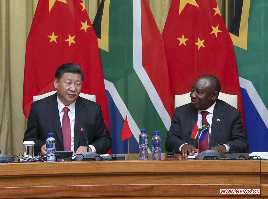 Chinese President Xi Jinping (L) and his South African counterpart Cyril Ramaphosa hold talks in Pretoria, South Africa, July 24, 2018. (Xinhua/Xie Huanchi)