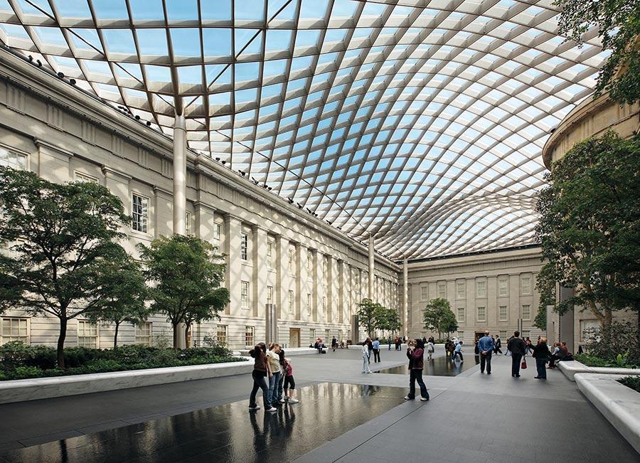Smithsonian Institution Courtyard, Washington DC (Photo/Courtesy of Chuck Choi)
