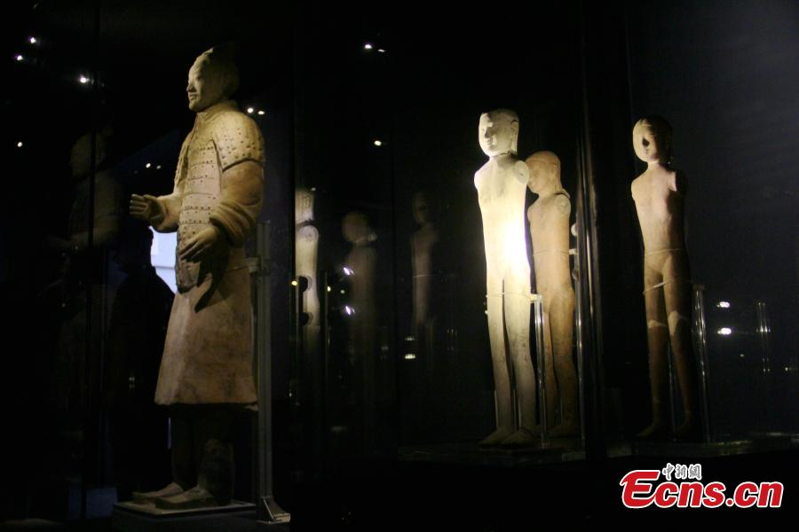 An exhibition of terracotta figures of Qin Dynasty (221 to 206 BC) and Han Dynasty (206 BC ? 220 AD) held in the Emperor Qin Shihuang\'s Mausoleum Museum in Xi'an City, Northwest China's Shaanxi Province, Aug. 7, 2018, a joint cooperation between the museum and Emperor Jing Mausoleum Museum. The exhibition aims to introduce the inheritance, change and development of Qin and Han culture. (Photo: China News Service/Zhang Yuan)