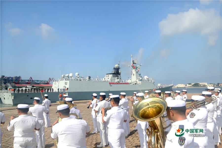 A military band performs at a naval port in Qingdao of east China\'s Shandong Province to see off the 30th escort taskforce on August 6, 2018.  (Photo/81.cn)