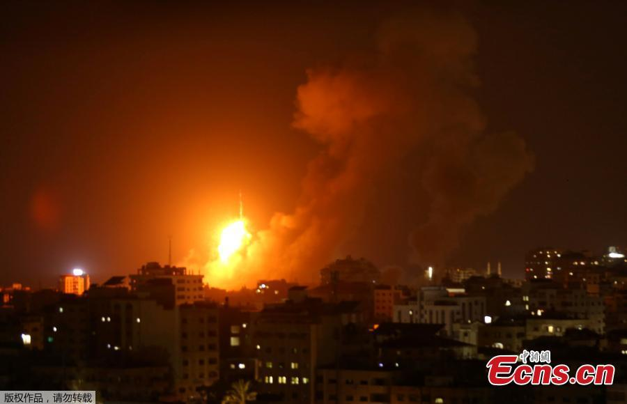 An explosion caused by Israeli airstrikes on Gaza City, Aug. 9, 2018. On Wednesday night and Thursday, Israeli aircraft struck more than 150 targets in Gaza and Palestinian militants fired scores of rockets including a long-range missile deep into Israel, escalating fighting despite the ongoing truce talks. (Photo/Agencies)