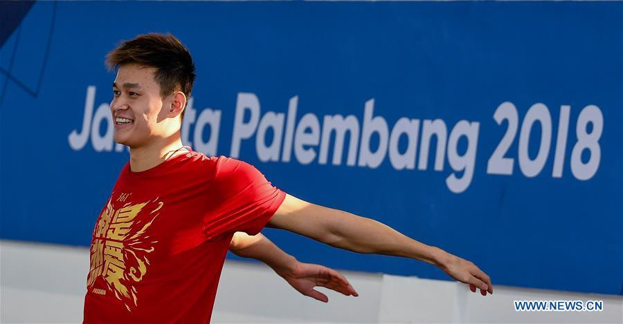 Chinese swimming athlete Sun Yang takes warm-up exercises for the upcoming Asian Games in Jakarta, Indonesia, on Aug. 15, 2018. (Xinhua/Li Xiang)