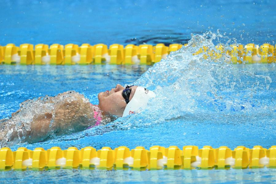 Liu Yaxin competes at women\'s 200m backstroke final of the 2018 Asian Games in Jakarta, Indonesia on Aug. 19, 2018. (Photo/Xinhua)