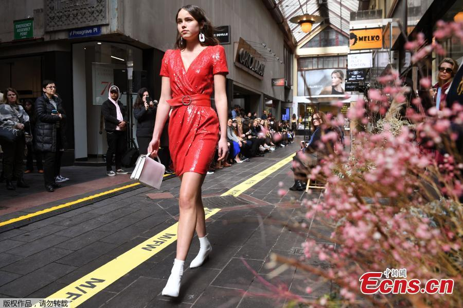 A model walks the runway on a commercial street at the Melbourne Fashion Week in Melbourne, Australia, Aug. 31, 2018. (Photo/Agencies)