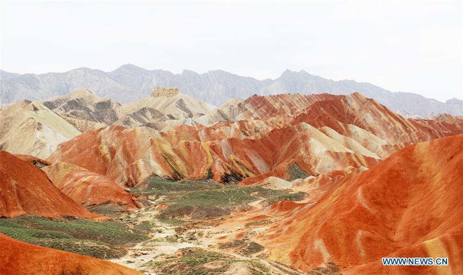 Photo taken on Sept. 5, 2018 shows the scenery of Danxia landform in Zhangye City, northwest China\'s Gansu Province. (Xinhua/Wei Hai)