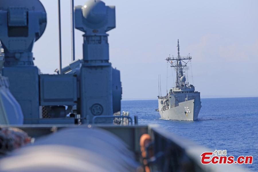 Warships take part in Exercise KAKADU 2018 at sea off the coast of Darwin, Australia, Sept. 6, 2018. The joint exercise was hosted by the Royal Australian Navy and supported by the Royal Australian Air Force. This year\'s event involves the participation of 27 countries, including China, Bangladesh, Canada, Chile, France, India, Indonesia, Japan, New Zealand, Philippines, Republic of Korea. (Photo: China News Service/Xu Guang)