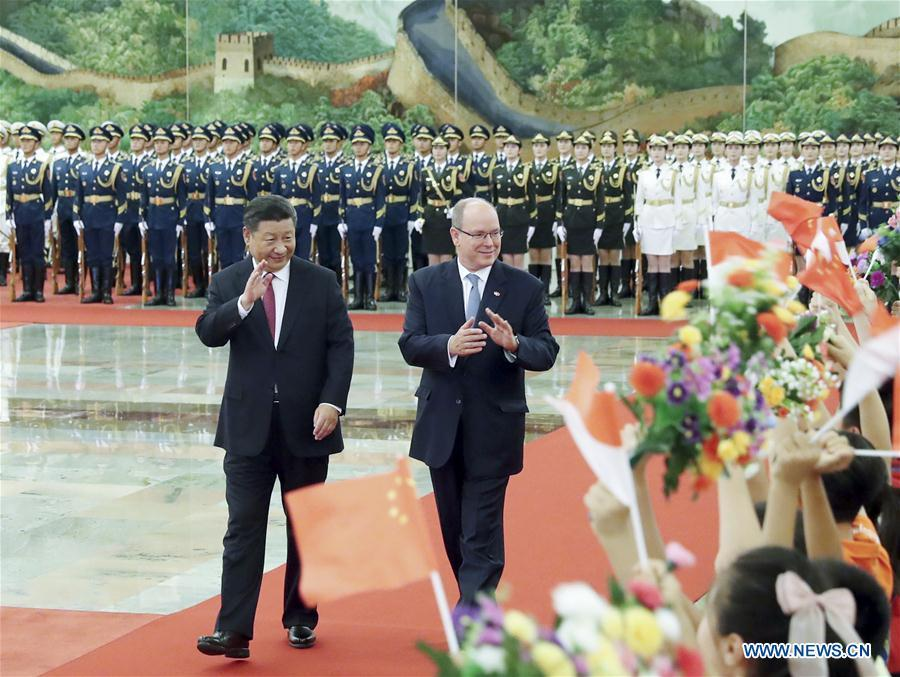 Chinese President Xi Jinping holds a welcome ceremony for Prince Albert II, head of state of the Principality of Monaco, before their talks at the Great Hall of the People in Beijing, capital of China, Sept. 7, 2018. (Xinhua/Liu Weibing)