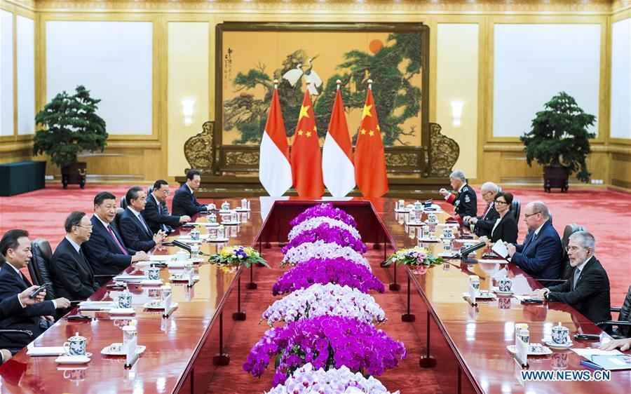 Chinese President Xi Jinping holds talks with Prince Albert II, head of state of the Principality of Monaco, at the Great Hall of the People in Beijing, capital of China, Sept. 7, 2018. (Xinhua/Liu Bin)