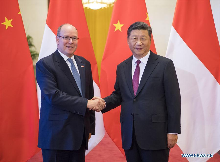 Chinese President Xi Jinping (R) holds a welcome ceremony for Prince Albert II, head of state of the Principality of Monaco, before their talks at the Great Hall of the People in Beijing, capital of China, Sept. 7, 2018. (Xinhua/Li Xueren)