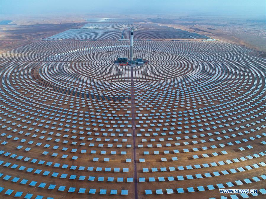 Photo provided by Shandong Electric Power Construction Co., Ltd (SEPCO III) shows part of Morocco\'s NOOR II and NOOR III Concentrated Solar Power (CSP) project in Ouarzazate, Morocco, on June 8, 2018. (Xinhua)