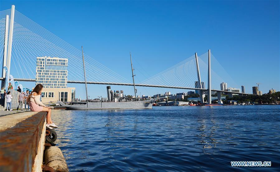 Photo taken on Sept. 9, 2018 shows the Zolotoy Rog Bridge in Vladivostok, Russia. (Xinhua/Wu Gang)
