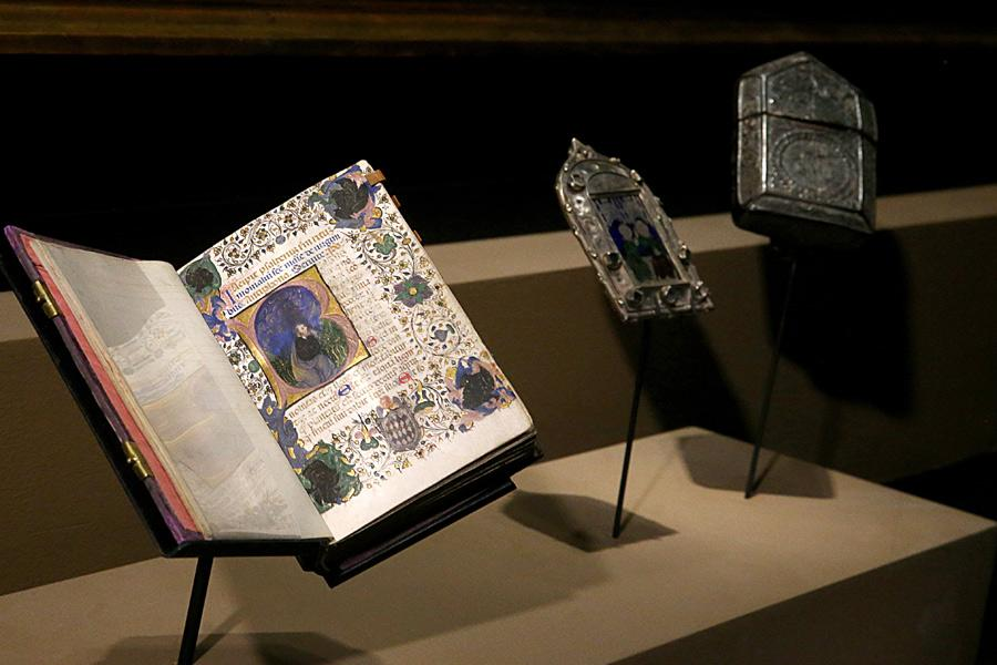 The Psalter of vellum are some highlighted exhibits from the Library of the Prince\'s Palace of Monaco. (Photo/China Daily)