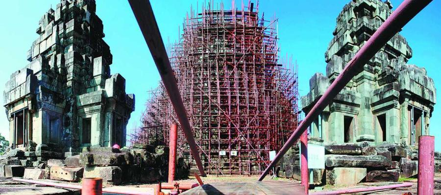 The Ta Keo Temple at the Angkor complex is being renovated by Chinese workers. (Photo/China Daily) Step by step  Ta Keo is not the first site at the Angkor complex to be restored by Chinese.  From 1998 to 2008, the academy restored Chau Say Tevoda, a smaller temple covering 1,600 sq m. This was the first time China had been involved in international cooperation to conserve cultural heritage.  Chai Xiaoming, director of the academy, said China at that time was not experienced enough to take on a major project such as Ta Keo. ICC-Angkor was presided over by France and Japan, and both countries were given several major sites to restore, as were other Western countries such as Germany and the United States.  \
